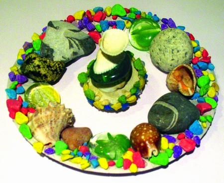 Аппликации из камней и ракушек