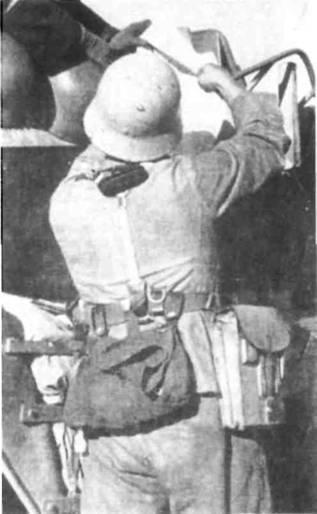 Сухарная сумка была такой же традиционной частью немецкой униформы, как.